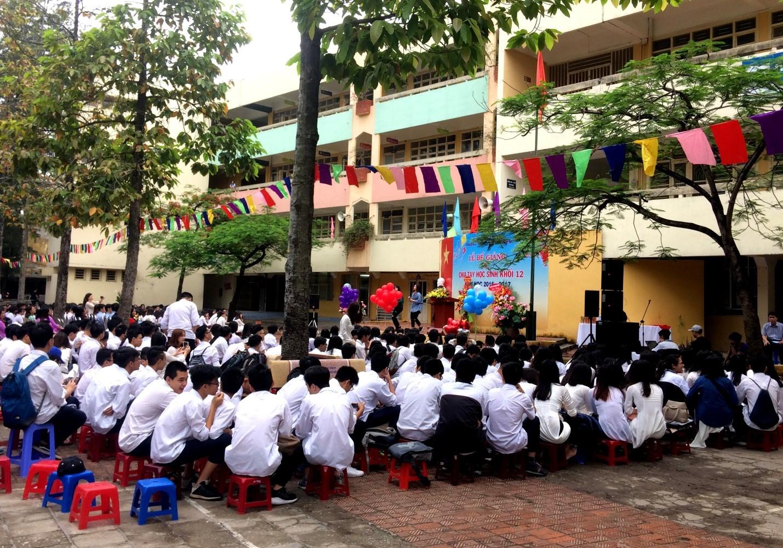 Lễ bế giảng và chia tay học sinh khối 12